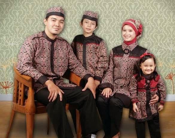 Model baju batik muslim anak dan keluarga mewah