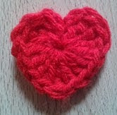 http://translate.googleusercontent.com/translate_c?depth=1&hl=es&rurl=translate.google.es&sl=en&tl=es&u=http://bitsandbobblesblog.blogspot.co.uk/2013/02/how-to-crochet-heart.html&usg=ALkJrhi5exaAzMrxC7icUMaDAZAkwKEKUw