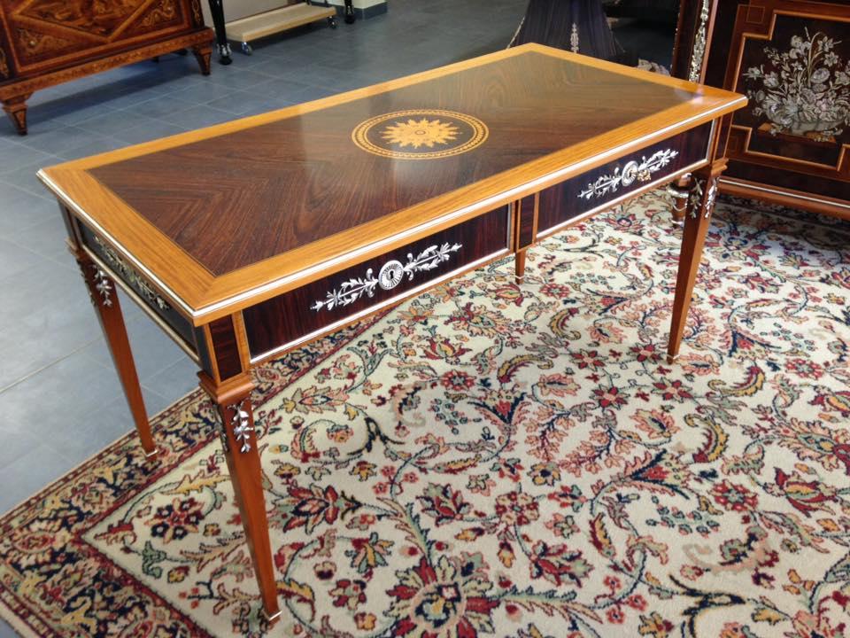 Mobili Di Lusso Brianza : Arredo e design mobili in stile intarsiati e intagliati in
