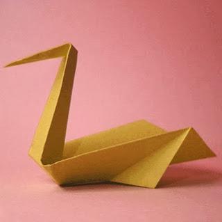 http://translate.googleusercontent.com/translate_c?depth=1&hl=es&rurl=translate.google.es&sl=en&tl=es&u=http://www.origami-fun.com/origami-pelican.html&usg=ALkJrhg6rx3f8bf83psPxbMy6c3IoSJ1GA