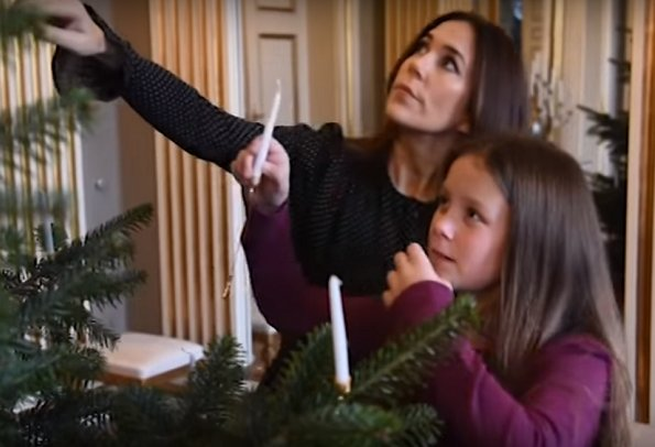 Prince Frederik, Princess Mary, Prince Christian, Princess Isabella, Prince Vincent,Princess Josephine Christmas