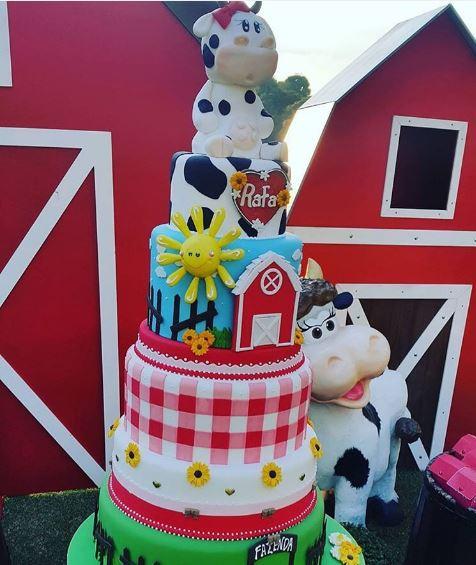 Bolo de aniversário da Rafa Justus, 7 anos, tema fazendinha festa