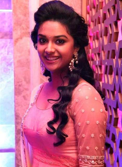 Beautiful Indian Actress Keerthi Suresh HD Wallpapers