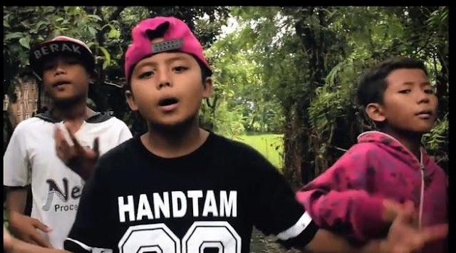 Ramai Jadi Perbincangan, Tiga Bocah Kampung DIkabarkan Saingi Young Lex Didunia Hip Hop