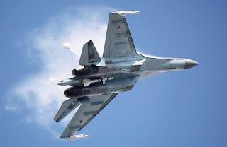 Jet Tempur Sukhoi Su-35 Rusia