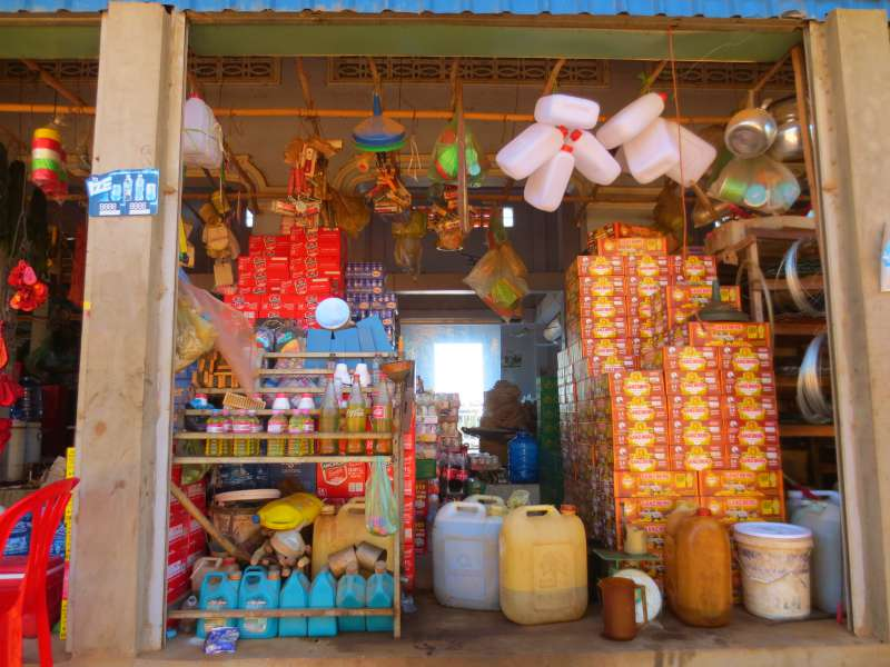 Kampong Tralach market