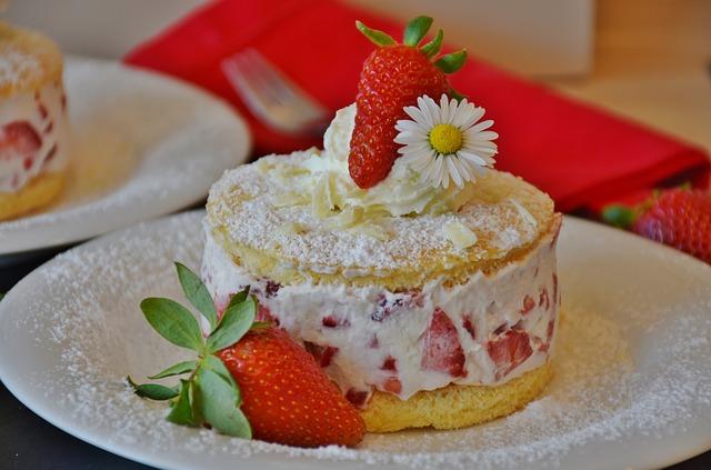 Gâteau fraises et noix de coco pour la fête des mères