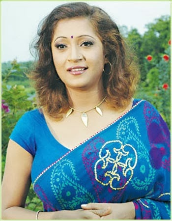 Tania Ahmed hot photo from Bangla movie Noy Number Bipod Shanket