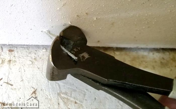 Husky end nipper pliers