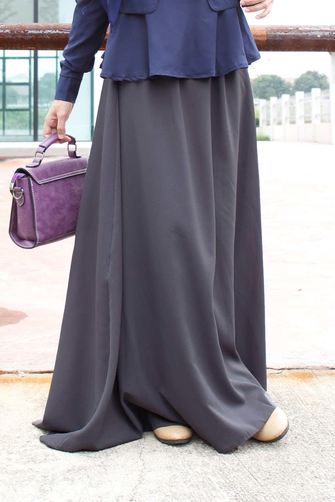 maxi skirt kelabu