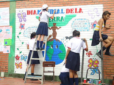 Resultado de imagen para mural escolar ecologico