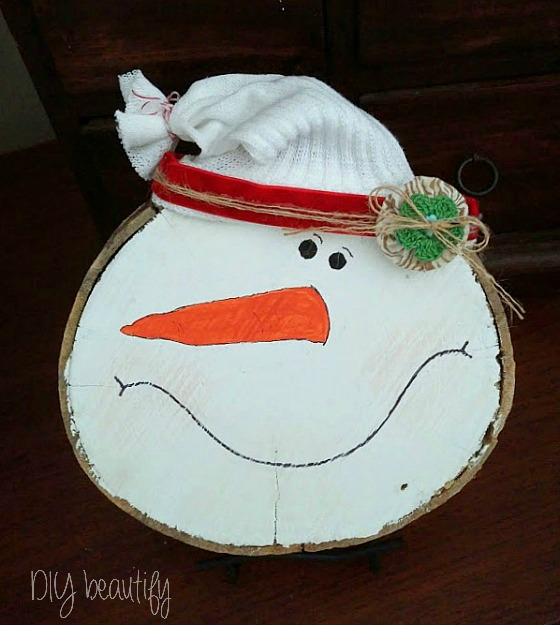 DIY snowman wood slice www.diybeautify.com