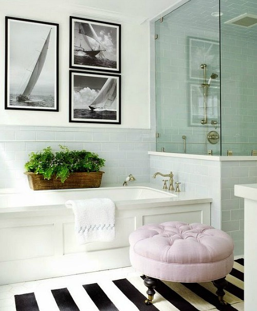 Black and White Coastal Bathroom