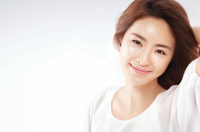 8 Rahasia kecantikan wanita korea yang menakjubkan - Apakah Anda merasa iri dengan Wanita Korea karena kulit mereka yang sempurna. Berkat rahasia kecantikan ini, wanita Korea memiliki kulit yang sempurna. Dan sekarang setelah Anda berada dalam rahasia mereka, Anda juga bisa memiliki kulit yang halus, lembut dan indah.