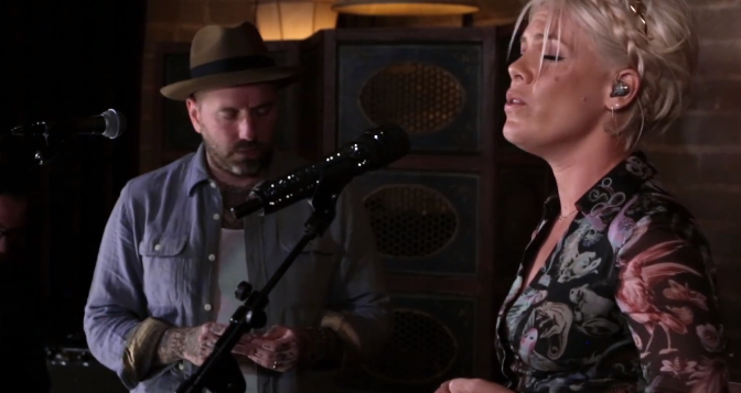 "Dallas Green and P!nk (aka You+Me) masterfully cover Sade's ""No ordinary love"" 