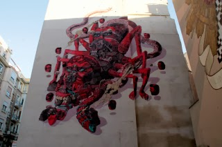 Aspecto general del graffiti que ha sido destruido.