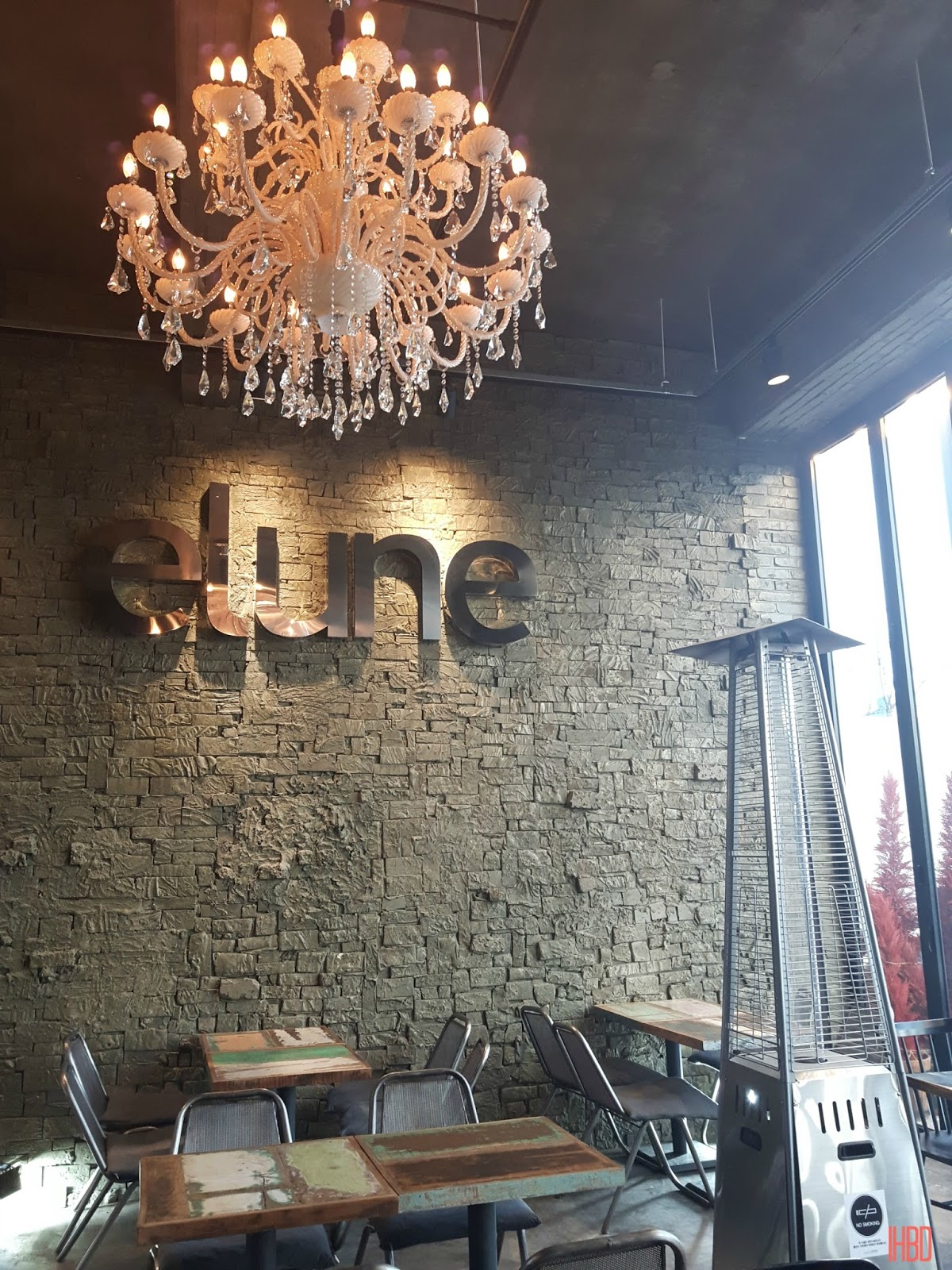 Greeted By Someone As Most Places In Korea And You Immediately Are Astounded The Beautiful Brick Walls Huge Chandelier Rustic Style Tables