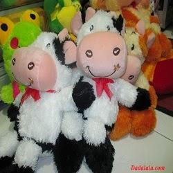Boneka Sapi di Malang