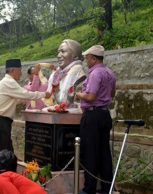 Paying tribute to Aruna Lama