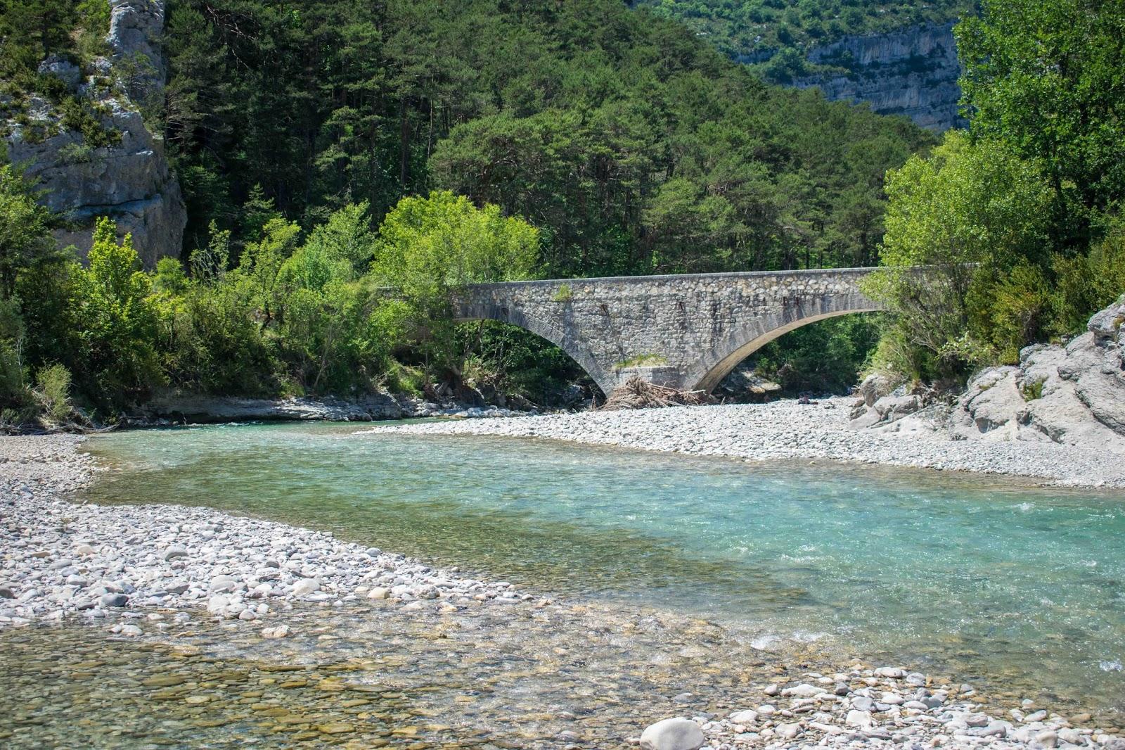 paysage baignade pont de carajuan