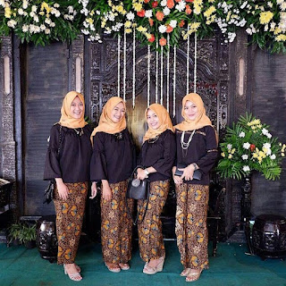 Kebaya Kondangan Simple