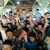 Bupati Cek Endra Tinjau Anak Ponpes Sholat Berjamaah di Halaman Lokal