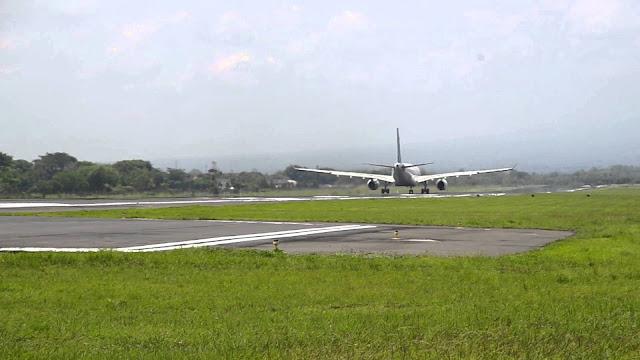 مطار أديسومارمو الدولي