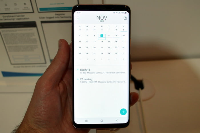 Samsung cleans up its Android interface with new One UI skin
