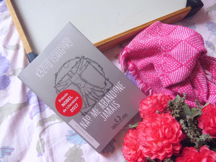 nao-me-abandone-jamais-kazuo-ishiguro-companhia-das-letras-premio-nobel-romance-distopia-ficcao-cientifica-os-10-melhores-livros-de-2018-mademoisellelovesbooks