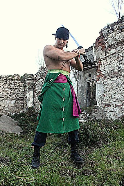 cosplays kiếm sĩ zoro one piece