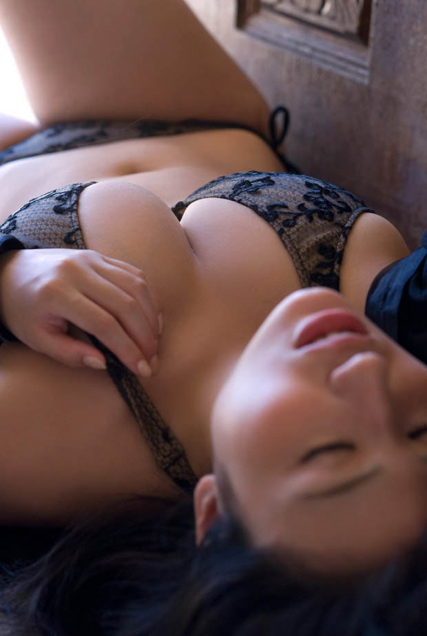 nonami takizawa sexy bikini pics 01