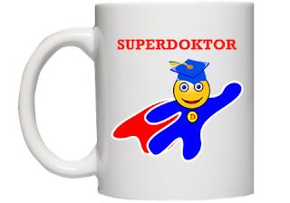 kubek Superdoktor - prezent na obronę doktoratu