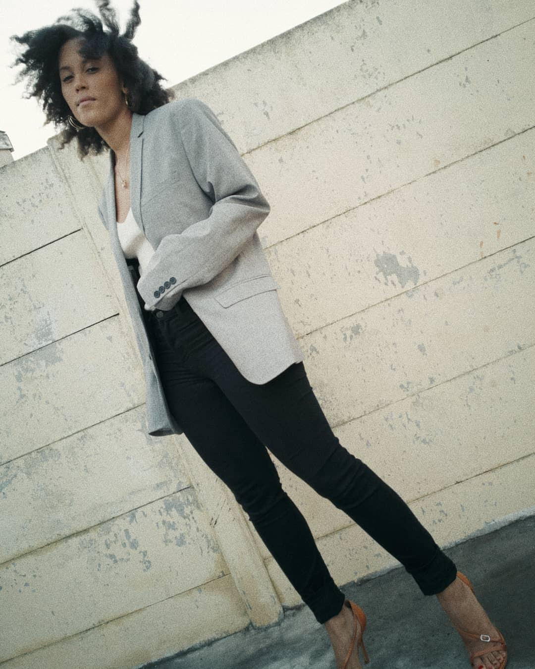 Liezel-Esquire-black-skinny-jeans-street-style