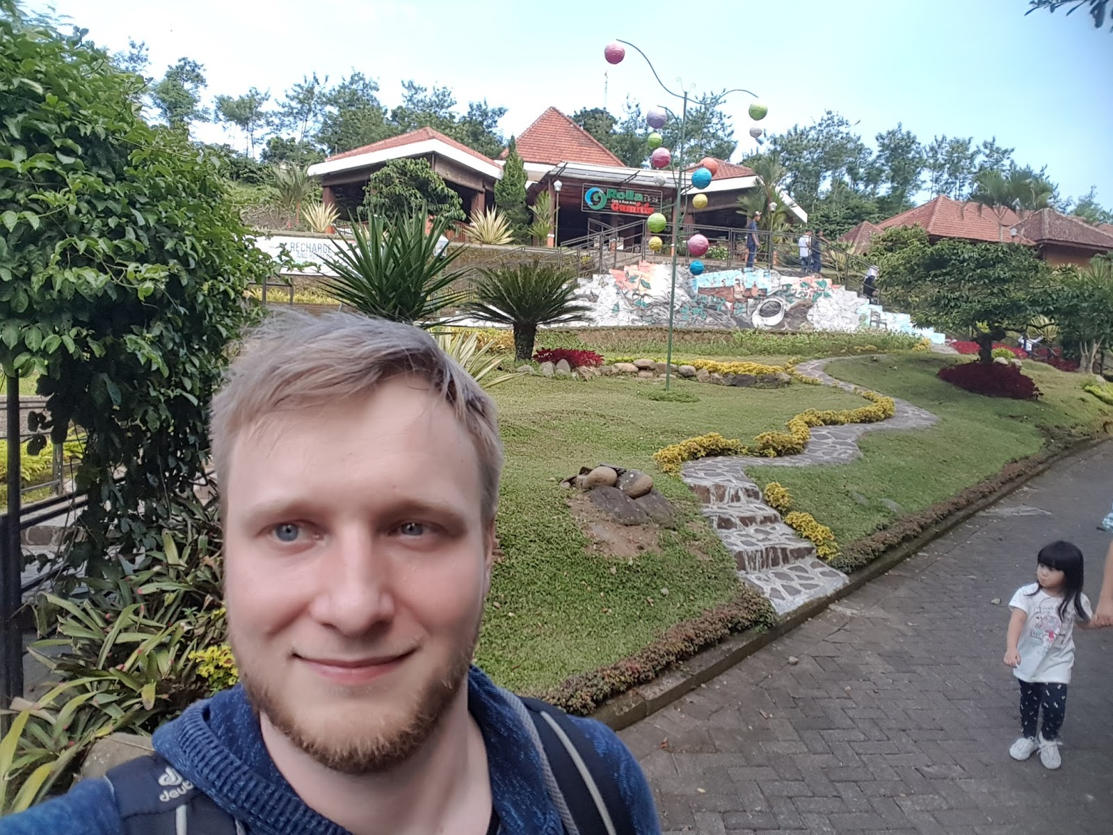 Tobi alleine in Indonesien