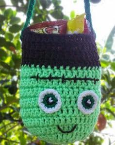 http://translate.googleusercontent.com/translate_c?depth=1&hl=es&rurl=translate.google.es&sl=en&tl=es&u=http://craftyguild.com/2014/09/free-frankenstein-crochet-bag-pattern.html&usg=ALkJrhhOB6WhxR-VTk9a2nDxMC8zjgb-Jg