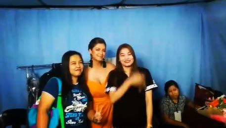 This Is How Angel Locsin Pays Back Her Fans!
