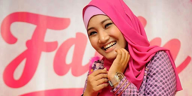 Fatin Shidqia wallpaper