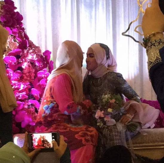 Majlis Pertunangan Elfira Loy Dan Sufian Suhaimi