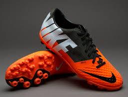 Sepak Bola Contoh Iklan Sepatu Futsal