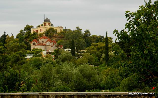Bairro de Thisio, Atenas: Observatório Nacional de Astronomia e Igreja de Agia Marina, no Pnyx