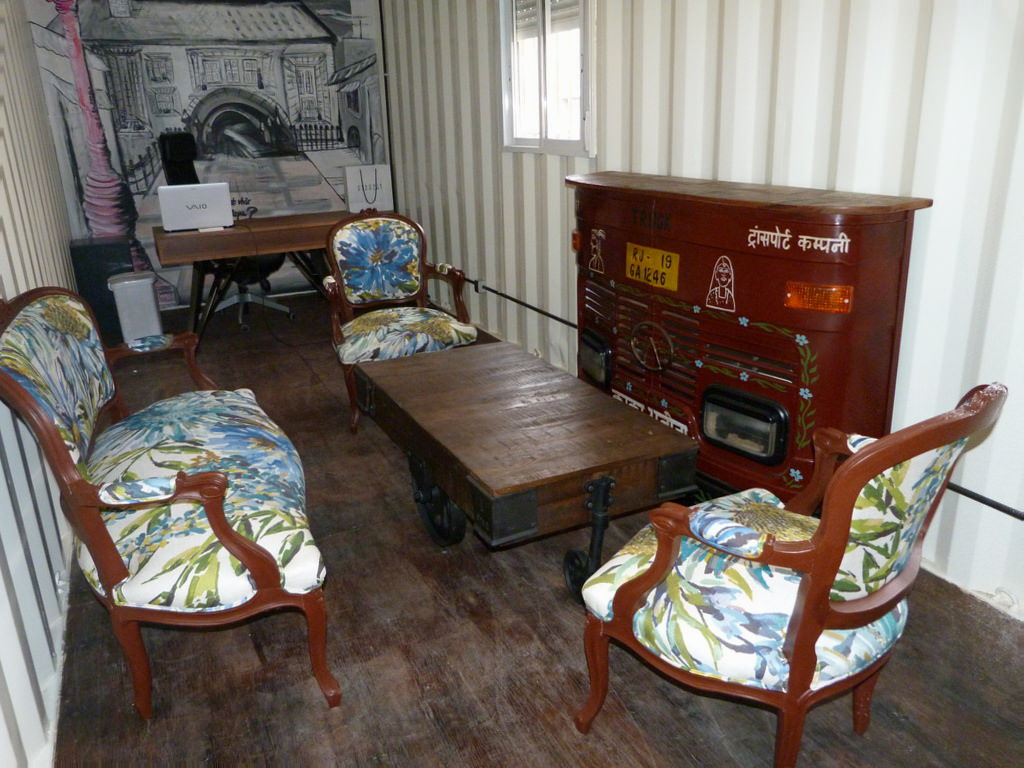 Sofa y butacas vintage pintados y retapizados isabel vintage for Muebles mondejar