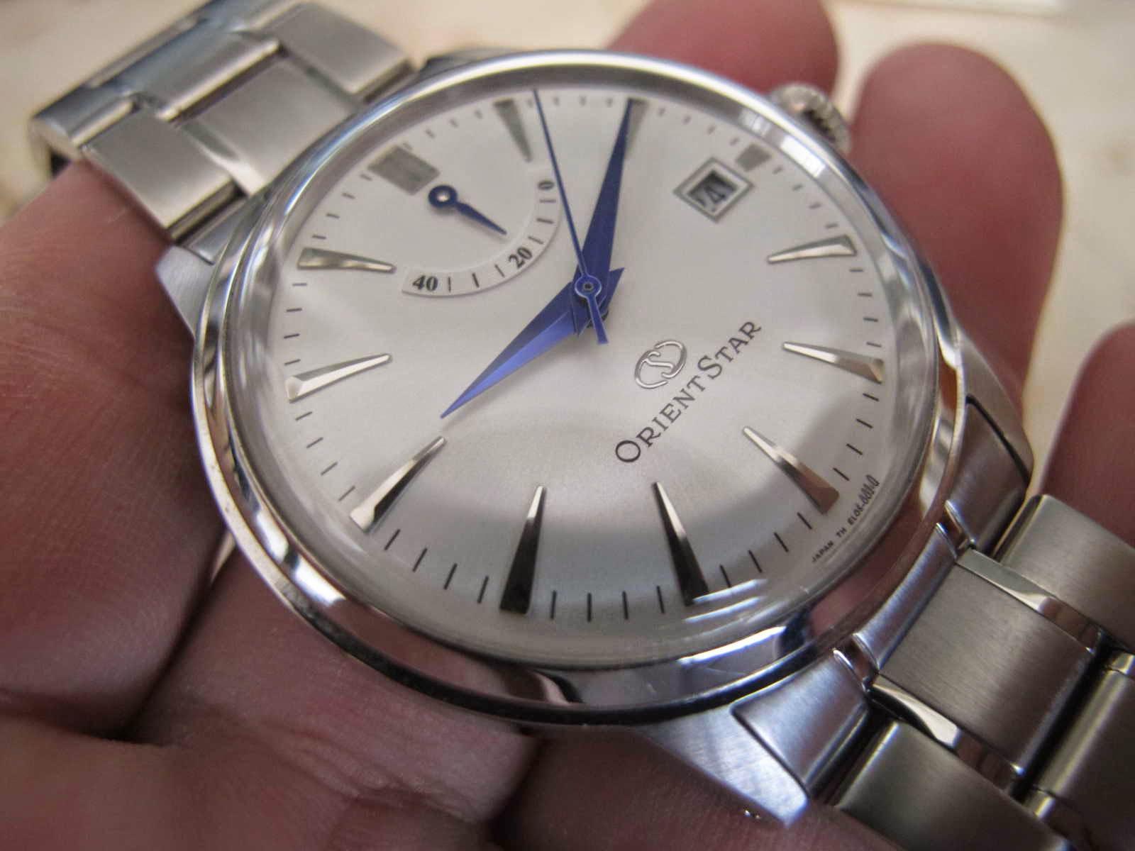 Kondisi ORIENT STAR ini Brand New Watch lengkap dengan box dan warranty card Cocok untuk Anda yang sedang mencari jam tangan yang terdapat indicator