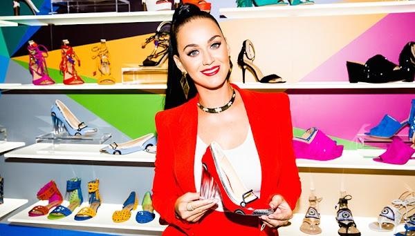Katy Perry: enquanto o álbum não vem, vamos ver as fotos da campanha da linha de sapatos da cantora