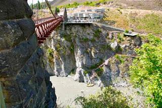 Bunging Jumping Off Kawarau Suspension Bridge New Zealand