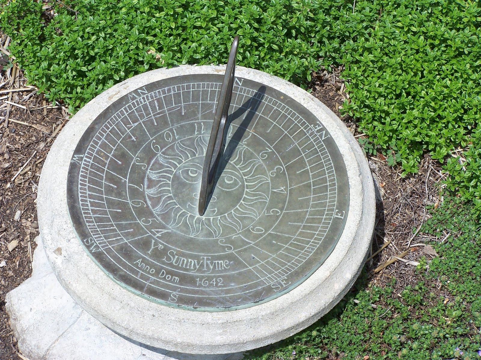09defa44917 Senhora História  A História do Relógio de sol (Gnomon)