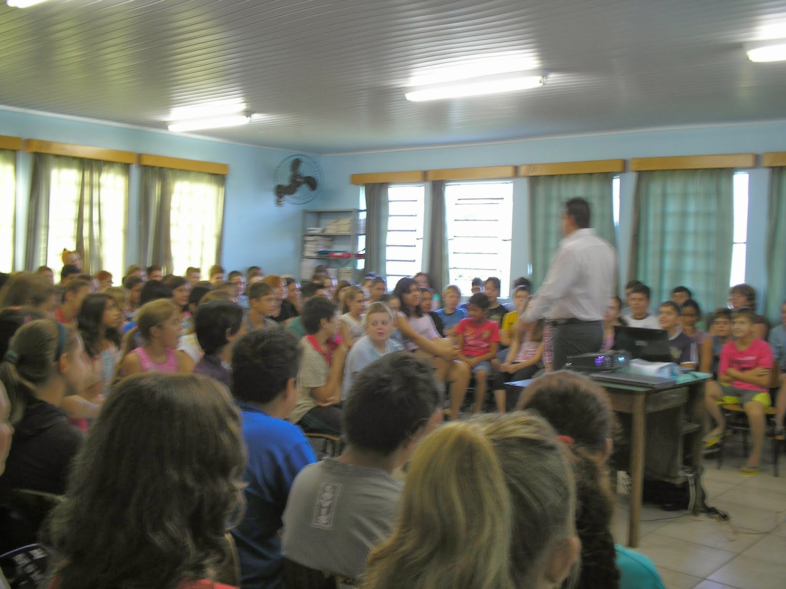 Escola Municipal Pe José Schardong Palestra Motivacional