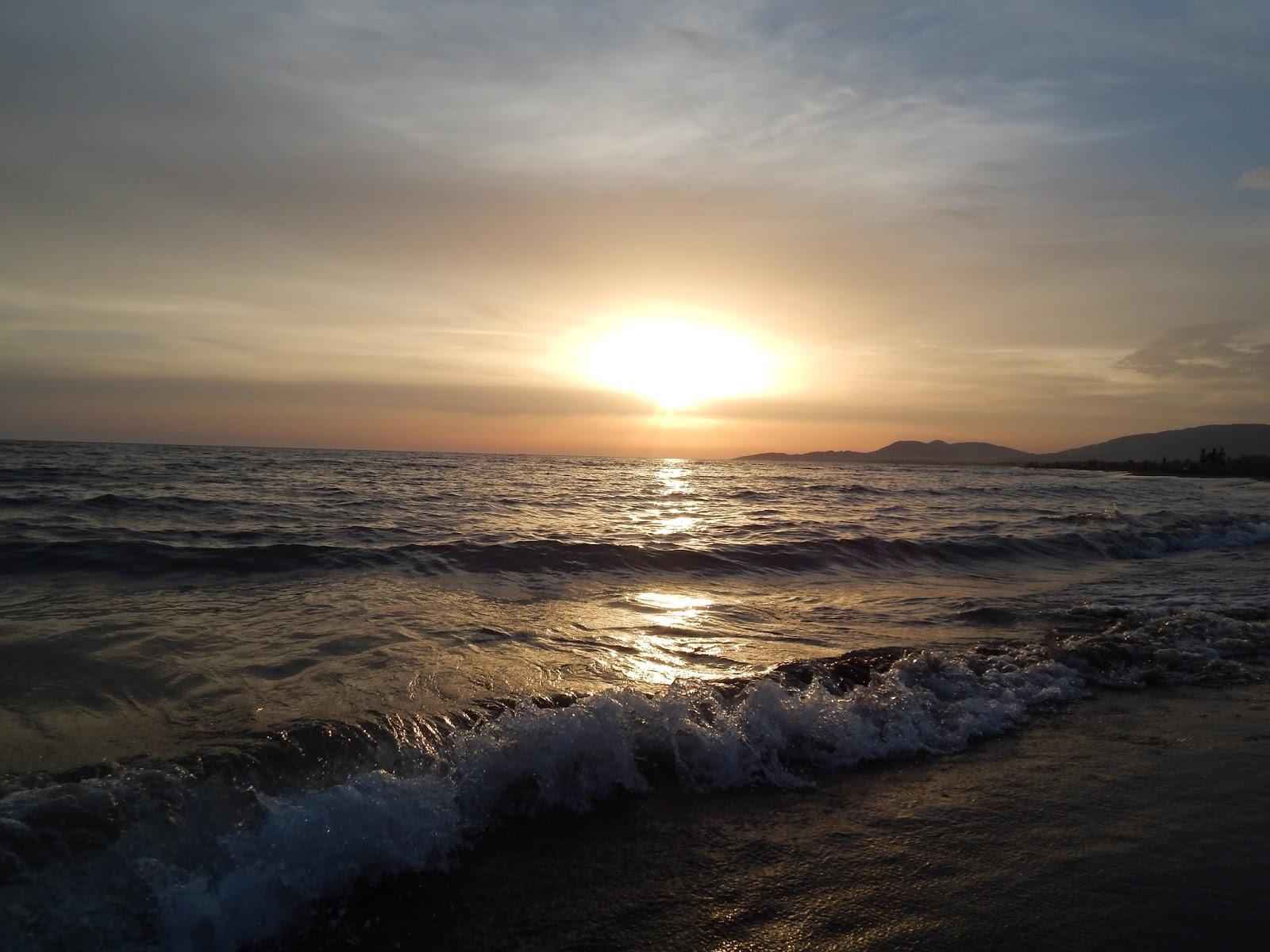 Západ slunce u moře Ada Bojana Černá Hora