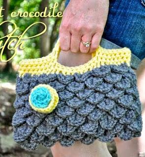 http://translate.googleusercontent.com/translate_c?depth=1&hl=es&rurl=translate.google.es&sl=en&tl=es&u=http://mymerrymessylife.com/2012/07/crochet-crocodile-clutch-purse-free-crochet-pattern.html&usg=ALkJrhiiqf0p8WDd4UwRsuUM2eenyd32Nw