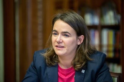 Novák Katalin: A választás tétje, hogy a családokat vagy a bevándorlókat támogatja-e az ország