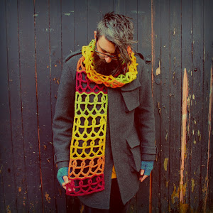 Free 'humankind' scarf pattern